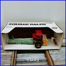 1986 Ertl 116 Scale New Holland Square Hay Baler NRFB